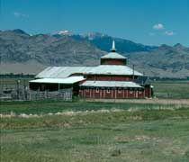 round montana barn