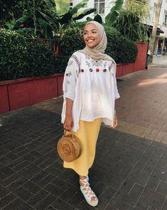 Stunning Outfits To Wear With Hijab Hijab Fashion Summer, Modest Fashion Hijab, Street Hijab Fashion, Hijab Chic, Muslim Fashion, Hijab Outfit, Hijab Mode Inspiration, Mode Outfits, Fashion Outfits