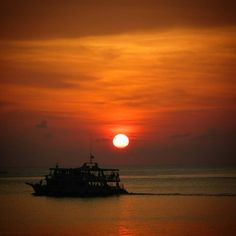And always dream about the tropical glorious sunsets in Thailand..... Koh Tao…