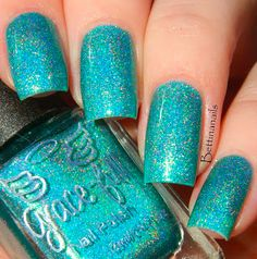 A subtle linear holo that shifts between blue and green. Based on the elven kingdom Lothlorien. From Lord of the Rings Book One The fellowship of the Ring.<br>Swatches courtesy of Bettina Nails (full review can be found at: http://www.bettinanails.blogspot.com.au/2015/05/inklings-collaboration-collection-by.html)