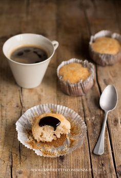 Muffin sofficissimi allo yogurt, Muffin allo yogurt, muffin senza uova, muffin con farina intergrale