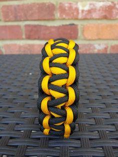 Gorilla knot paracord bracelet