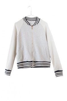 http://www.drbloom.es/coleccion/chaqueta-sudadera-college-gris.html