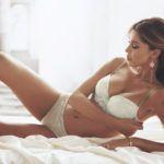 BELEN RODRIGUEZ: INCIDENTI PER LE SUE FOTO SEXY - BOLLICINE VIP
