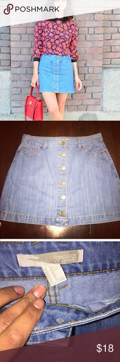 Cute! Button down denim skirt Perfect condition! never worn size xl can fit large or XL Forever 21 Skirts