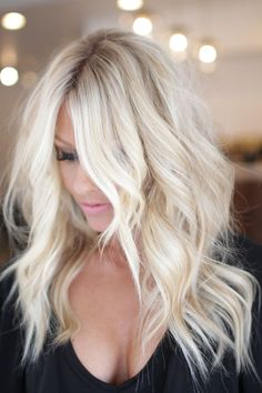 90 Platinum Blonde Hair Shades And Highlights For 2020 Icy Blonde Hair Color Ideas. 33 Beautiful Hair Color Ideas To Copy In 2018 Fashion Blonde Balayage, Icy Blonde, Bright Blonde Hair, White Blonde, Dye Hair Blonde, Bleach Blonde Hair With Roots, Bleached Blonde Hair, Platnium Blonde Hair, Winter Blonde Hair