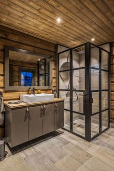 Cabin Bathrooms, Rustic Bathrooms, Cabin Interior Design, House Design, Mountain Cabin Decor, Mountain Cottage, Grand Designs Australia, Modern Lodge, Log Home Decorating