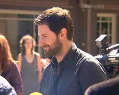 I'm like that lady in the background just staring...  >  Richard Armitage, Australia - May 2013