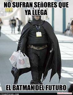 No te pierdas, Ya lo tenemos en nuestras calles, el es el nuevo batman disfrutalo en nuestra web http://risaslocas.com/11882/ya-lo-tenemos-en-nuestras-calles-el-es-el-nuevo-batman