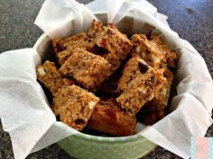 This a a great A gluten free, nut free muesli bar that is the perfect healthy choice for kids lunchboxes Healthy Baking, Easy Healthy Recipes, Gluten Free Recipes, Snack Recipes, Cooking Recipes, Snacks, Healthy Food, Muesli Slice, Muesli Bars