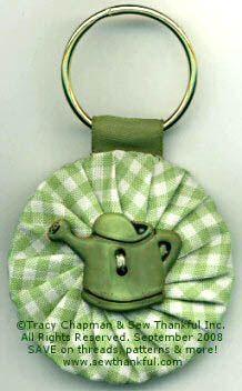 Fabric Yo-Yo Projects | Lazy Girl | Blog » Quick and Easy Yo-Yo Keychains