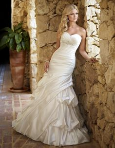 Sweetheart trumpet / mermaid taffeta bridal gown - really love the ...
