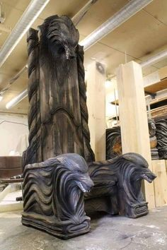 Viking / Norse Throne made in Finland Gothic Furniture, Unique Furniture, Wood Projects, Woodworking Projects, Woodworking Quotes, Woodworking Garage, Custom Woodworking, Woodworking Furniture, Fine Woodworking