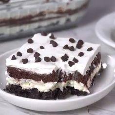 oreo dessert recipes no bake \ oreo dessert ; oreo dessert no bake ; oreo dessert recipes no bake Quick Dessert Recipes, Easy Cake Recipes, No Bake Desserts, Easy Desserts, Cookie Recipes, Baking Desserts, Dinner Recipes, Healthy Recipes, Chocolate Brownie Cake