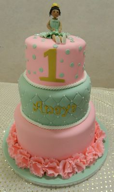 One year old Birthday cake - pretty colours