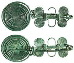 kép) Uzsavölgyi típusú paszományos fibula a Hermann Historica aukciósházból Garden Hose, Outdoor, Outdoors, Outdoor Games, The Great Outdoors