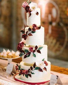 Buttercream wedding cake & Sugar Blooms #weddingcake