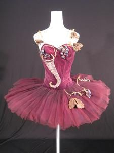 Tutu worn by Doreen Wells as The Fairy of the Golden Vine in the Prologue of The Royal Ballet revival of 'The Sleeping Beauty' (1946)