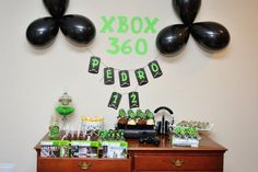I kind of like these colors for a Hero Factory party 13th Birthday Parties, 12th Birthday, Birthday Fun, Birthday Ideas, Video Game Xbox, Video Game Party, Xbox Party Food, Bolo Xbox, Festa Party