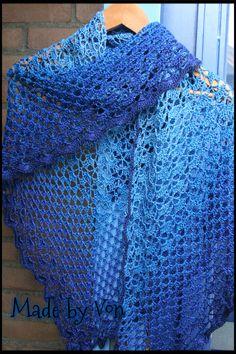 Crochet Southbay/Granny shawl. Made with Unikat yarn.
