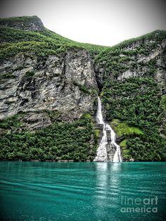 ✮ Bachelor Falls - Norwegian Fjords