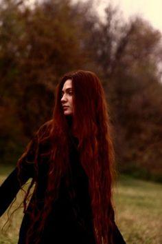 Hair goals: Dye my hair with red henna! Beautiful Long Hair, Gorgeous Hair, Red Henna Hair, Hair Inspo, Hair Inspiration, Auburn, Rides Front, Super Long Hair, Ginger Hair