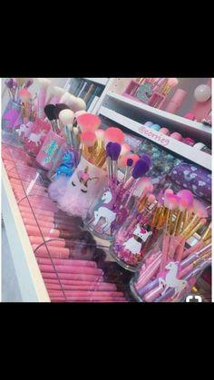 38 Trendy Makeup Brushes Holder Diy Craft Ideas Make Up Makeup Storage, Makeup Organization, Cute Makeup, Beauty Makeup, Beauty Nails, Hair Beauty, Unicorn Rooms, Unicorn Bedroom, Unicorn Makeup