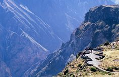 Cruz del Condor overlook, Colca Canyon, Peru (© Alistair Laming/Alamy)