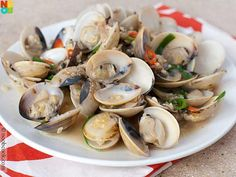 Easy recipe for Chinese-style clams cookied in an aromatic black beans sauce.