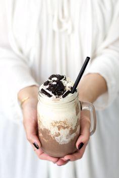 OREO VANILLA CHOCOLATE ICE CREAM MARBLE MILKSHAKE [thedashingrider]