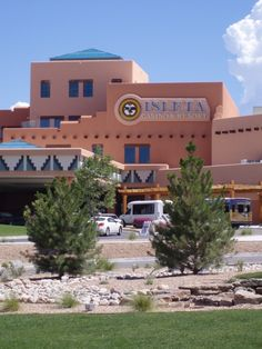 This casino, operated by the Pueblo of Isleta, has supplied gaming entertainment for over 15 years. Roulette, high-stakes bingo, slots, craps and blackjack bring Las Vegas into Albuquerque's backyard, minus, of course, the white tiger trainers. Anyone watching In Plain Sight??!!