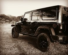 Jeep wrangler rubicon unlimited - black - offroad - south africa