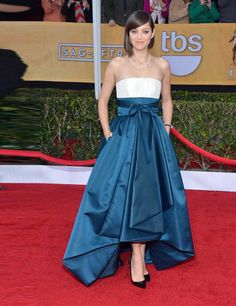 LOVE that blue and white dress!!! screen actors guild awards