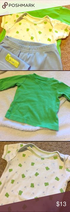 Long sleeve shirt, frog onsie with matching pants Green Long sleeve shirt, frog onsie with matching blue pants. Great condition! Carter's Matching Sets