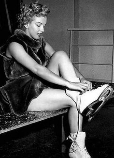 Marilyn Monroe - ice skates. Want this pic in my future house one day