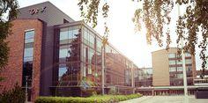 Tampereen teknillisessä oppilaitoksessa kävin Kansainvälisen kaupan ja markkinoinnin jatkokoulutuksessa lukuvuoden 1995-1996.