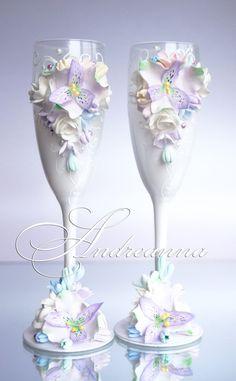 Свадебные бокалы «Акварели любви», выполнение в любом желаемом цветовом решение (как яркое, так и пастельное), цветочки на Ваш выбор. Цветы полностью ручной работы. Стоимость 800грн