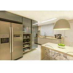 """""""Hora do almoço! Hora de cozinha linda por Ponto 3 Arquitetura #design #decor #cozinha #kitchen #cozinhadesigndecor"""""""