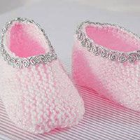 Sapatinho Rosa - Fio Baby - Blog do Bazar Horizonte Baby Booties, Baby Shoes, Baby Patterns, Slippers, Booty, Alice, Clothes, Fashion, Pink Shoes