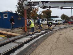 Gleis betonieren, Franz-Josef-Platz Gmunden, 2015-10-16, http://stadtregiotram-gmunden.at/index.php/blog.html