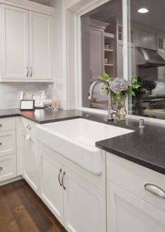 Want to remodel your kitchen but the cost is making you hesitate? Here are 7 non-obvious ways to save on a kitchen remodel.