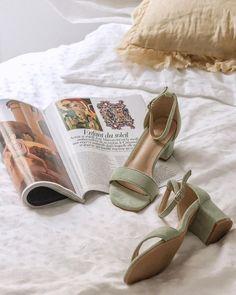 Carré Blanc (@carreblancparis) • Photos et vidéos Instagram Stuart Weitzman, Sandals, Heels, Photos, Instagram, Fashion, Spring Summer, Heel, Moda