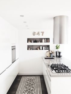 55 Crazy Black and White Kitchen Decor Ideas - About-Ruth Minimalist Kitchen Design, Home Kitchens, Kitchen Design, Kitchen Decor, Modern Kitchen, Kitchen Interior, Kitchen Dinning, Kitchen Style, Minimalist Kitchen