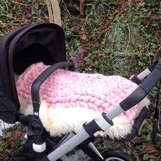 """""""Baby pram blanket  #pramblanket #keepwarm #babyknits #merinowool #lovewool #vognteppe #babystrikk #merinoull #mosesbasketblanket #mosesbasket #bugaboo…"""" Baby Prams, Keep Warm, Baby Knitting, Baby Car Seats, Hobbies, Blanket, Instagram Posts, Baby Strollers, Pram Sets"""