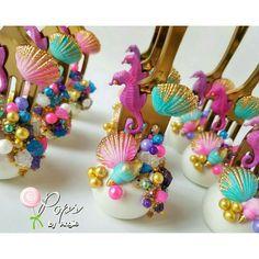 Little Mermaid dinglehopper cake pops for princess Adysen's birthday celebration! Mermaid Theme Birthday, Little Mermaid Birthday, Little Mermaid Parties, Disney Little Mermaids, The Little Mermaid, Birthday Cake, Birthday Ideas, Beach Cake Pops, Beach Cakes