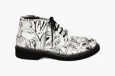 """Yoshiyasu Tamura x McQ by Alexander McQueen Fall/Winter 2014 """"Manga"""" Collection Tomboy Fashion, Fashion News, Fashion Shoes, Women's Fashion, Manga Collection, Walk Run, Mcq Alexander Mcqueen, Youth Culture, Painted Shoes"""