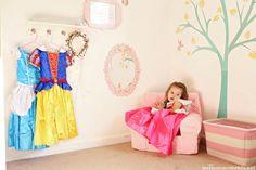 Dress-Up Corner #kidsrooms