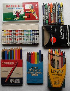 VINTAGE pastels crayons box graphics 1940s 1950s 1960s