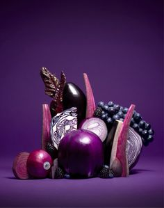 Coloring Of Fruits and Vegetables Elegant La Belle Abeille — Nicolasmenu Fruits & Ve Ables Purple Fruit, Purple Food, Purple Vegetables, Fruits And Vegetables, Veggies, Ikebana, Art Blue, Vegetables Photography, Good Vibe