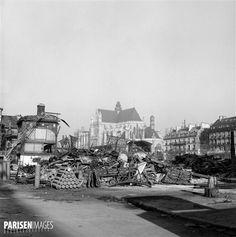 Paris, les Halles. Démolition des pavillons de Baltard, octobre 1971. © Alain Bonhoure / Roger-Viollet